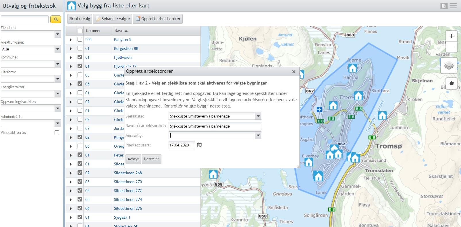 Skjermbilde fra Facilit FDVU som viser bygningslista med valgte byg i kartvisning, med dialogvindu for å sende arbeidsordre for valgte bygg.